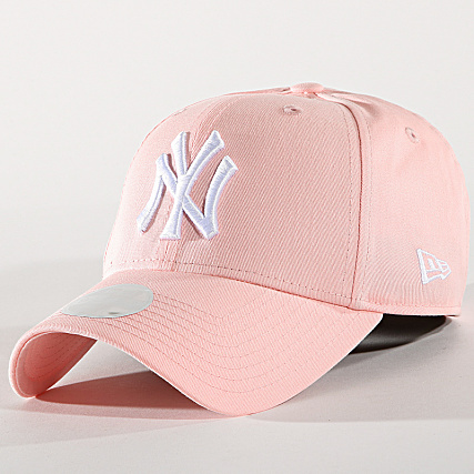 NEW ERA - CASQUETTE FEMME LEAGUE ESSENTIAL NEW YORK YANKEES 80489299 ROSE de New Era